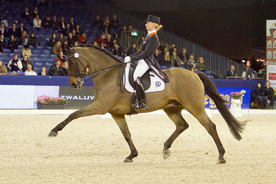 Lorraine van den Brink NED