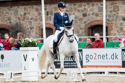 Zoe Kuintjes - (NED)