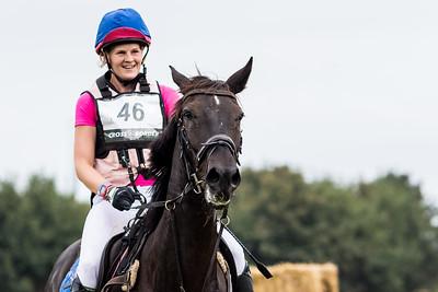 Sandra van der Linde - (NED)