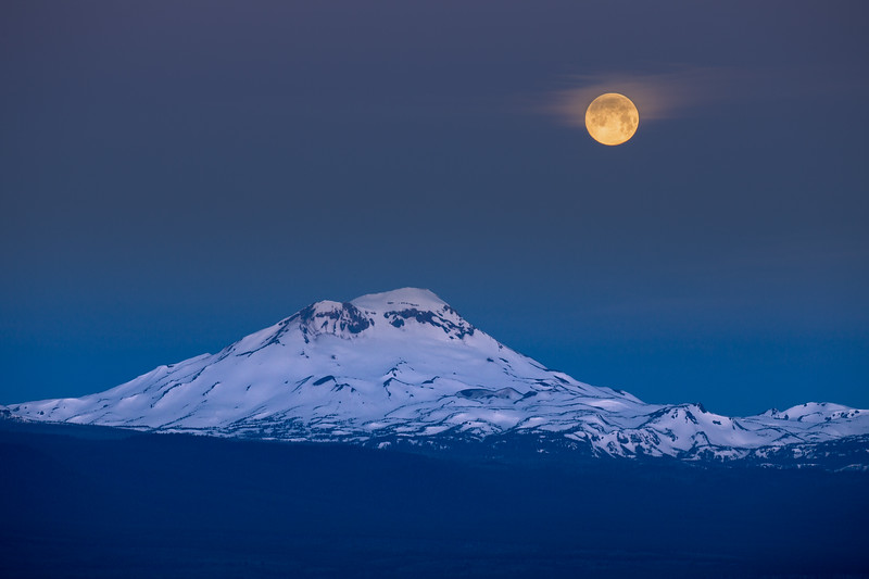 Full Moon Over South Sister