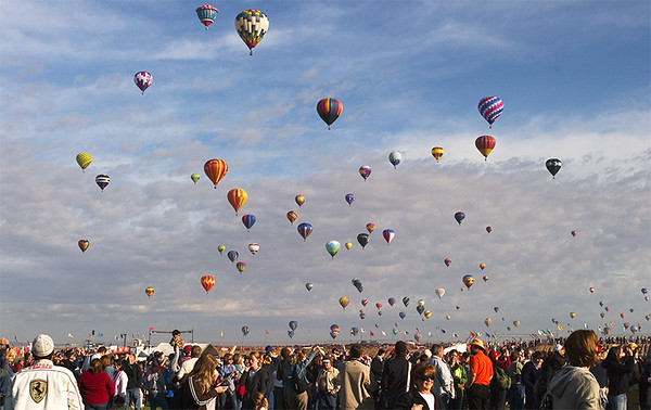 Mass ascension at the Albuquerque Balloon Fiesta the first Saturday. October, 2008.