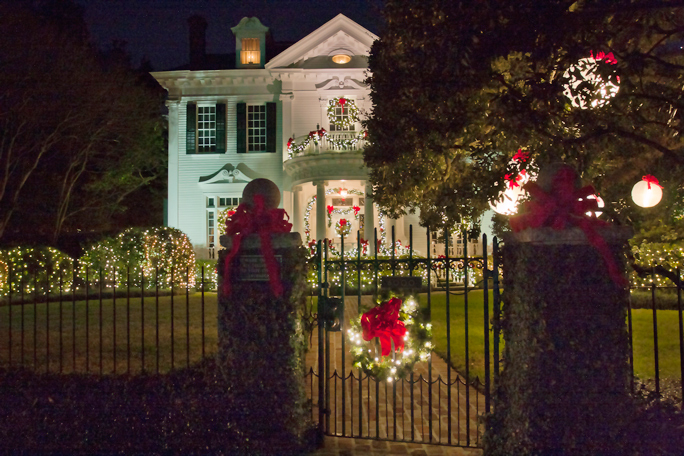 The best home display I saw was this one on St. Charles Avenue. Of course, I hadn't packed the tripod so shooting in the night was a challenge.  December, 2013.