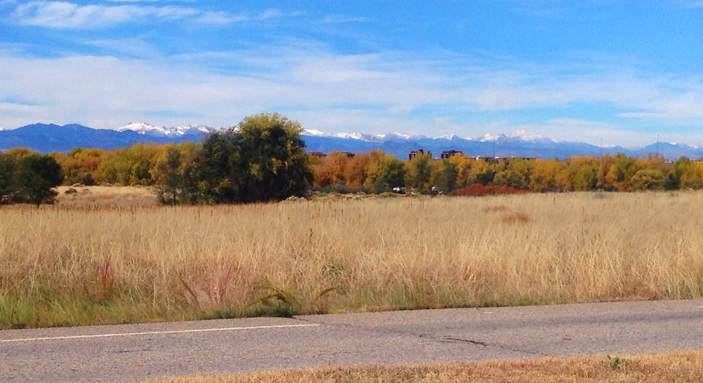 My last glimpse of the snow-covered Rocky Mountain peaks as I left Cherry Creek State Park east of Denver.  October, 2014.