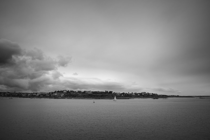 Dinard waiting for the summer