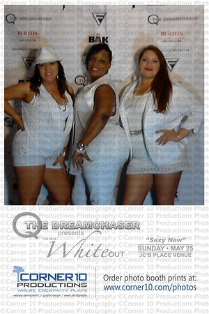 Corner 10 Photo At The White Out