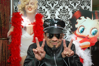 Ray in the new Photo Booth!