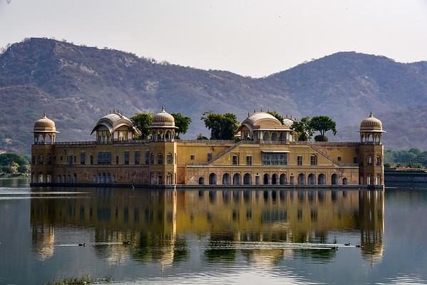 the Lake Palace - seemingly floating