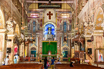 Cochin - a very busily decorated Santa Cruz Basilica