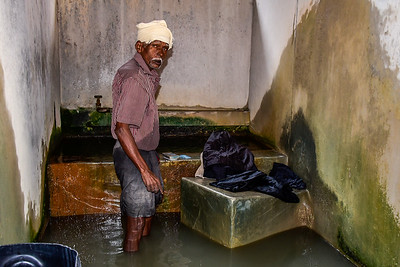 Cochin - the man who washes the clothes