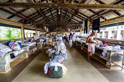Cochin - community laundromat, by hand