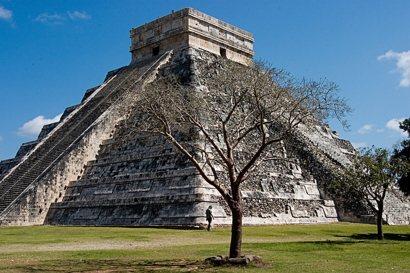<center>Kukulkan's Pyramid<br>Chitzen Itza, Mexico </center>