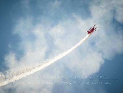 Sean D. Tucker flying for Team Oracle