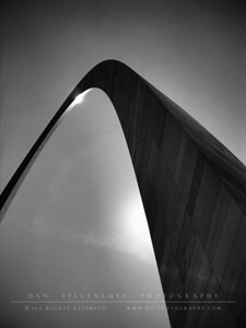The Arch (St. Louis)  Camera 360 (B&W Visual Storm)
