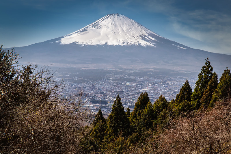 Valley to Fuji