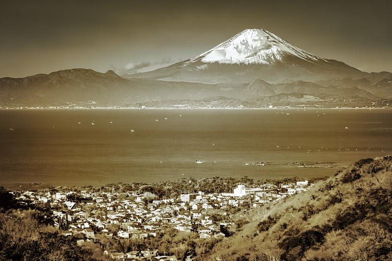 Fuji 10