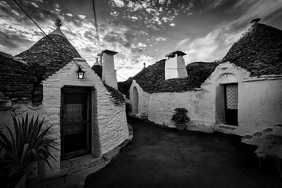 Trulli Black and White