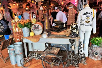 Nashville_Am_Pickers_Store_front-door_RAW2223
