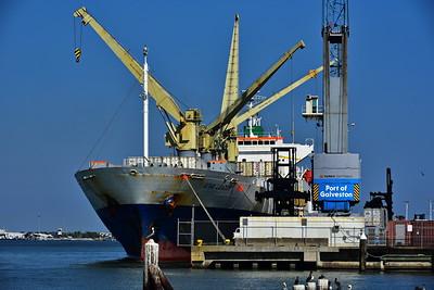 Galveston_Super-Moon_Port_Cranes-Ship_D75_1023