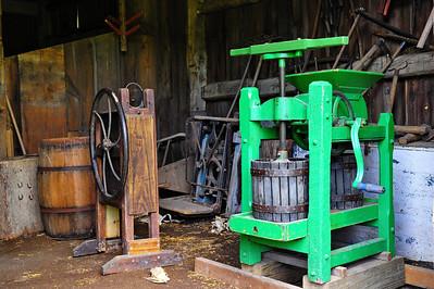 029-barn_machines