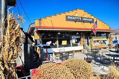 Liepers_Fork_Pucketts_Grocery_&_Restaurant_RAW4247a
