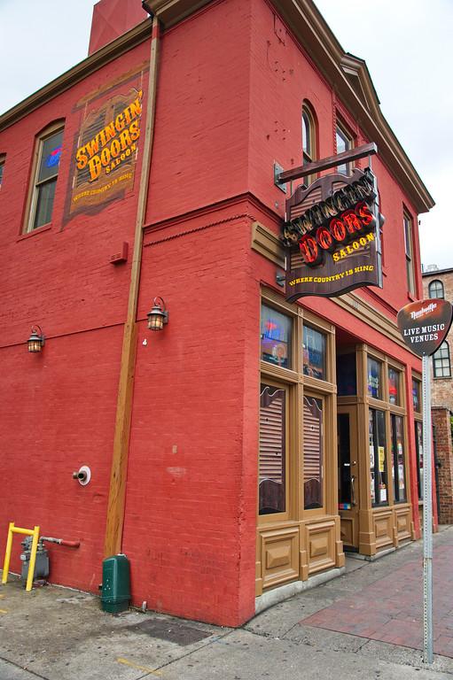 Swingin Doors Saloon & Nashville\u0027s Broadway Street Honky Tonks - birdshooter Pezcame.Com