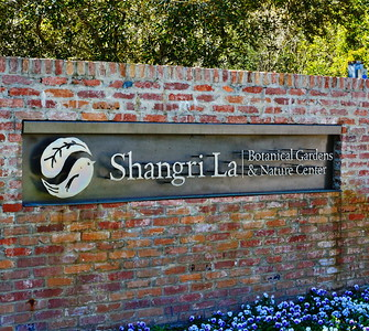 Entrance Sign.........photo by Loyd Dalton