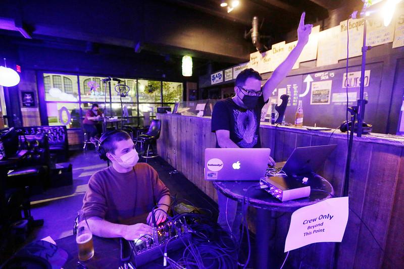 Neato Burrito/Baby Bar Live Stream Show