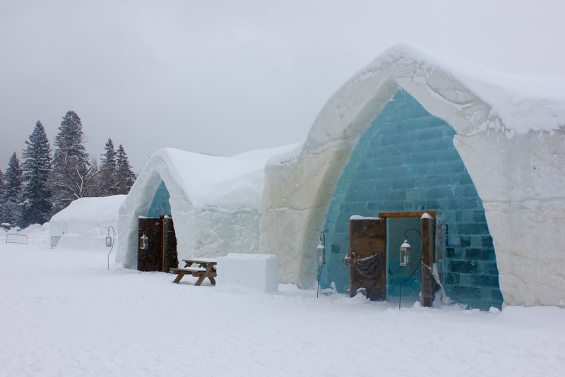 outside view of Hôtel de Glace, the ice hotel, in quebec city