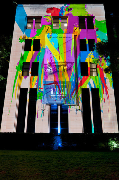 Throwing virtual paint on the Museum of Contemporary Art for some interactive light painting!