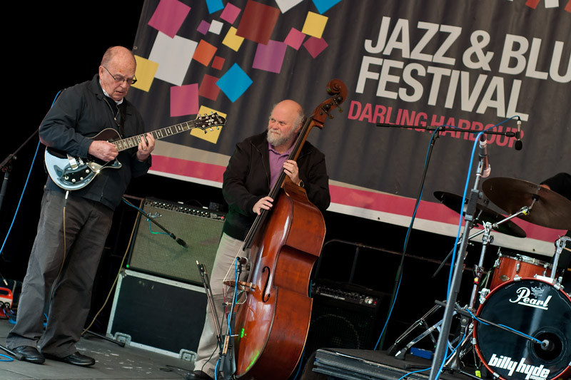 The George Golla Trio playing some serious Jazz stuff. Beautiful music indeed!!