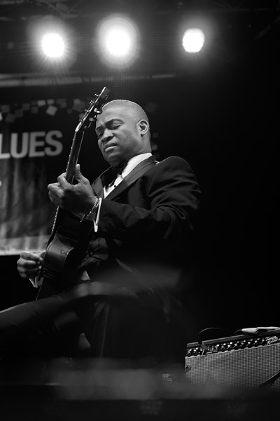 Russell Malone giving a great performance with Ron Carter on bass...
