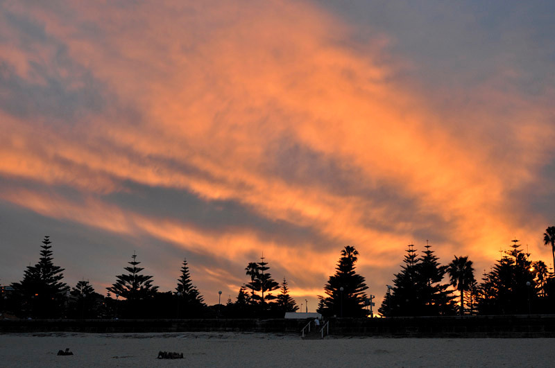 Sunset colours behind the Coogee beach