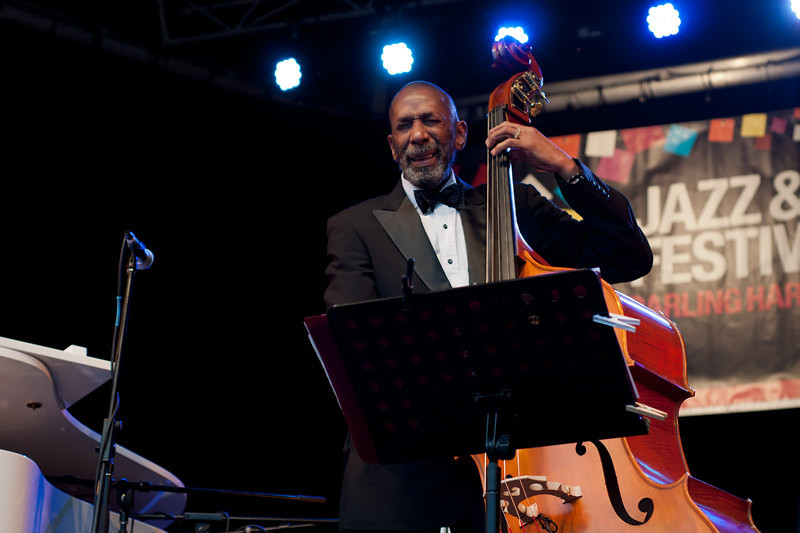 The great Ron Carter on double bass... Amazing to see him in a free jazz event!