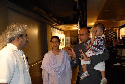 Hari Haran with Sunny Sriram and his wife & son.