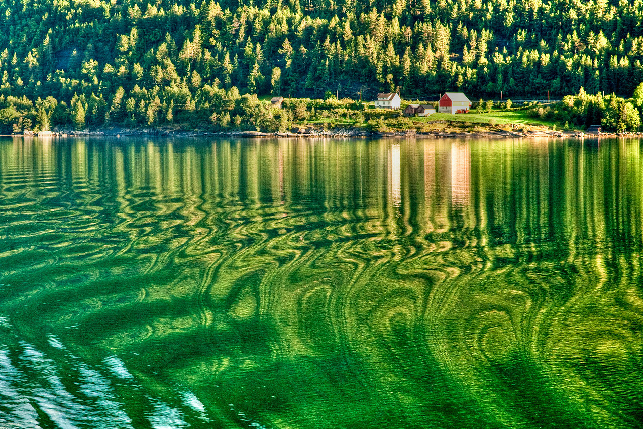 Fjord ripples, Oldenbriksdalsbreen