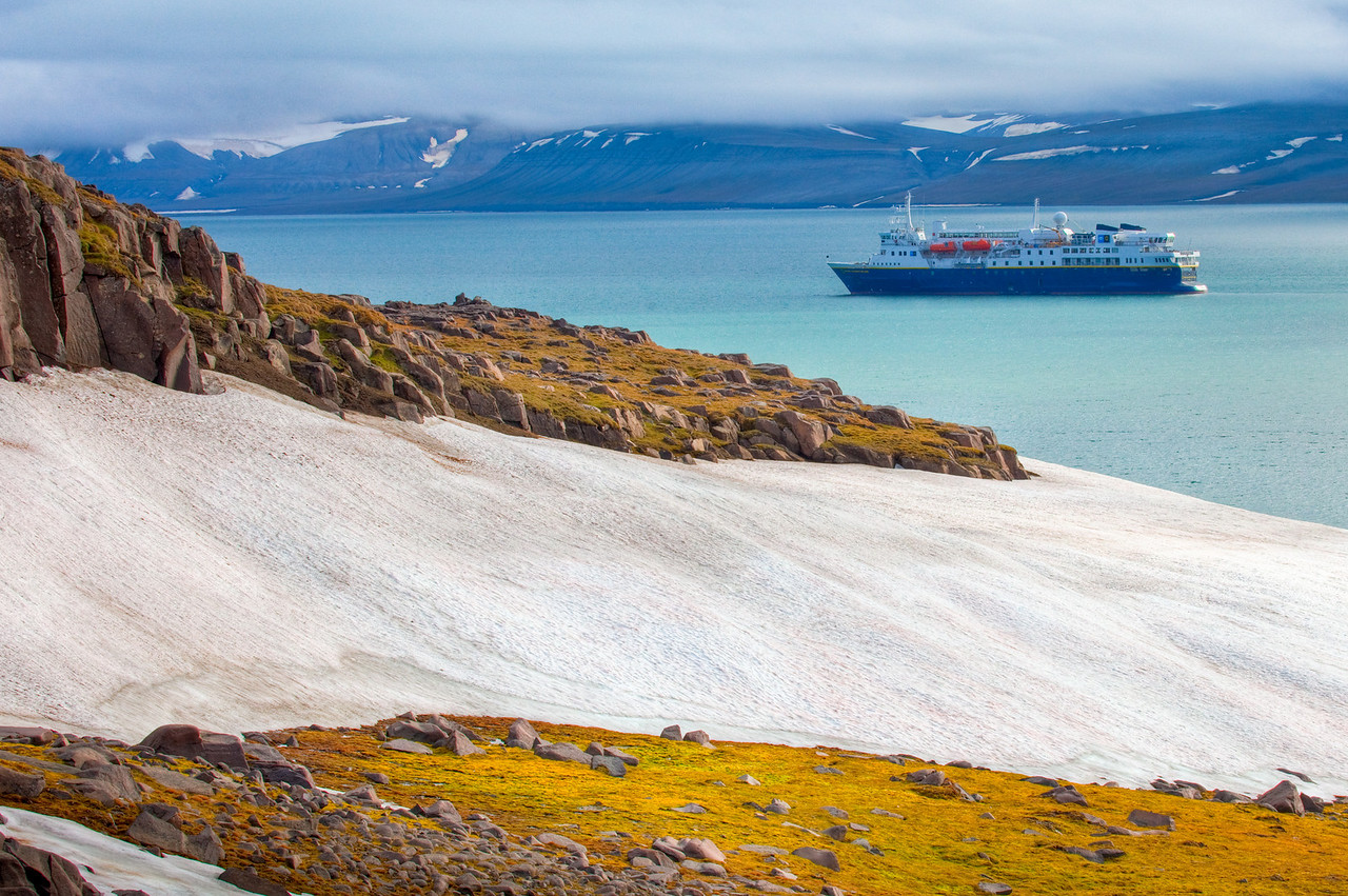 Sundneset, Svalbard and the National Geographic Explorer