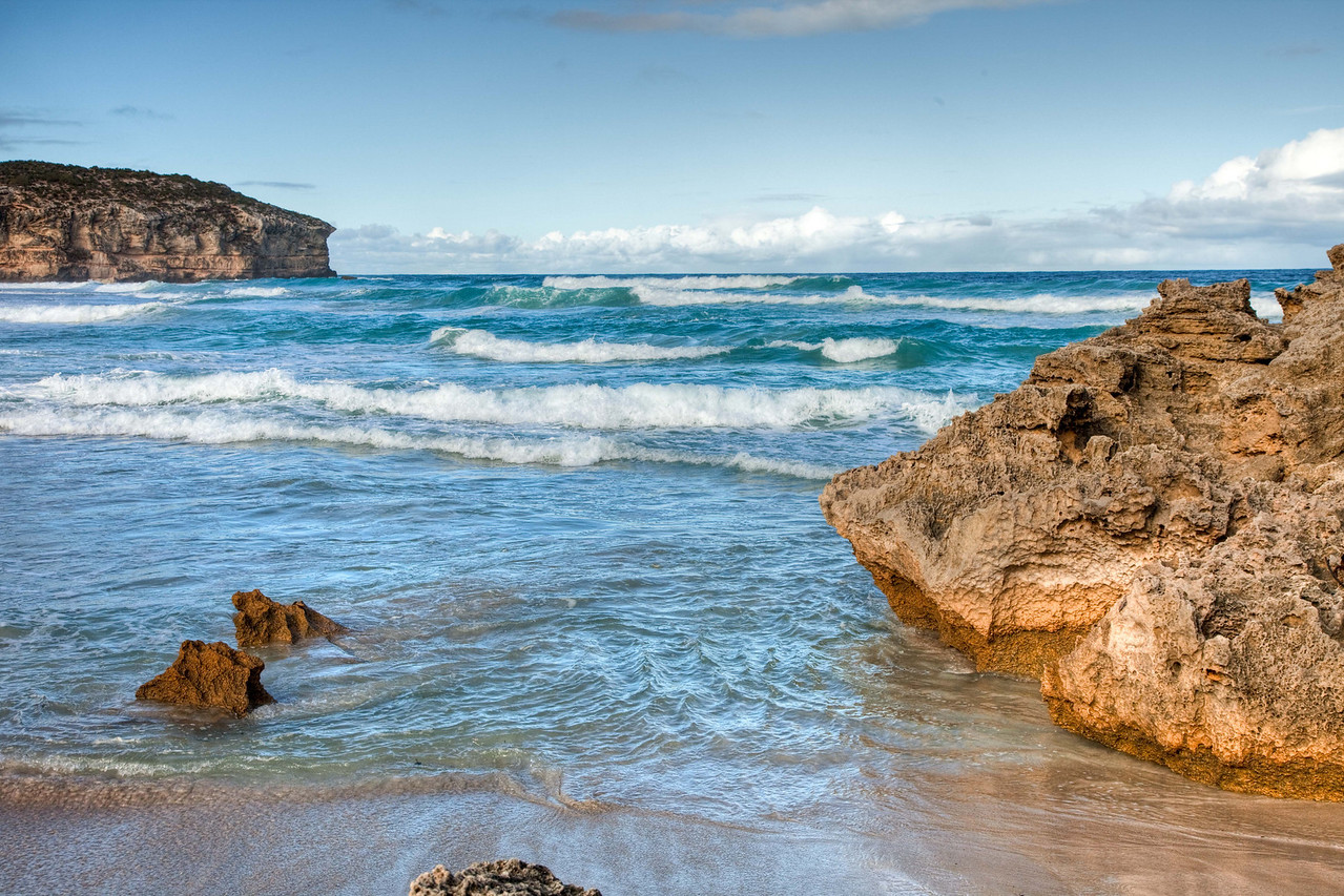 Blue waters of Pennington Bay, Kangaroo Island