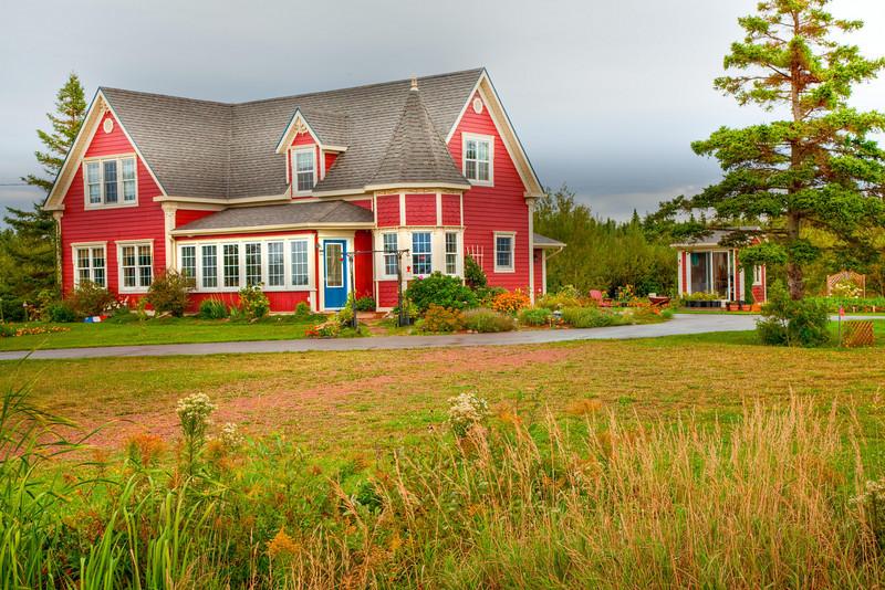 Picturesque farmhouse near Cap-Egmont