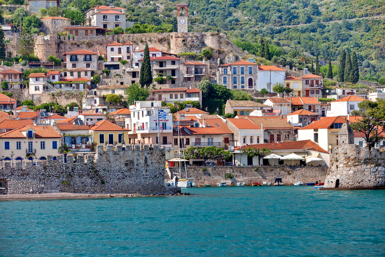 Passing by the anciet city of Nafpaktos, Greece