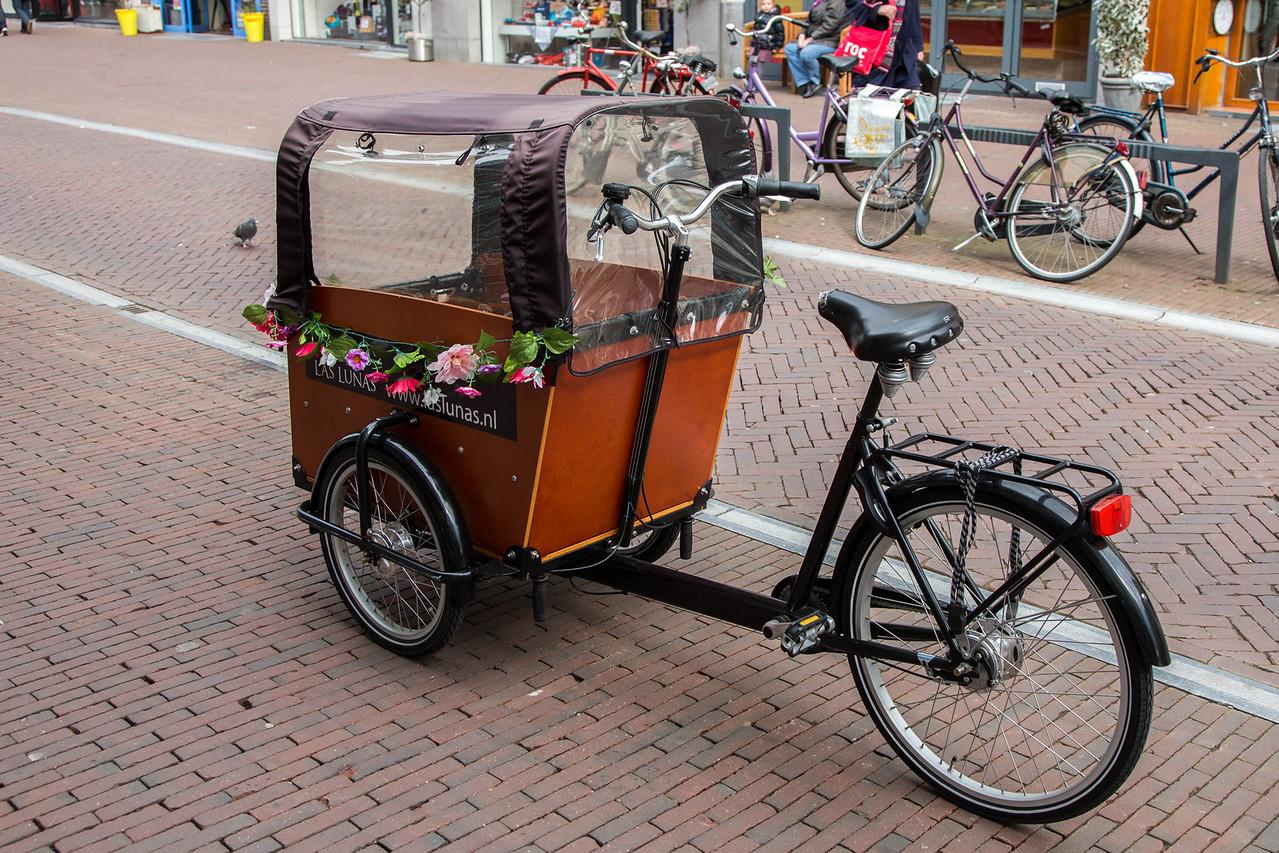 Designed to transport 2 children.