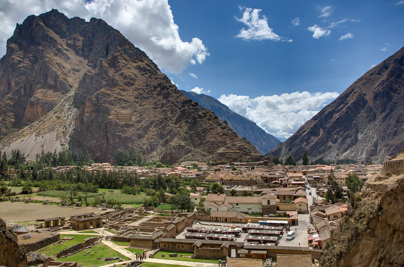 As part of the visit to the Sacred Valley of the Incas we traveled by bus to the town of Ollantaytambo which was built in the 1500s.