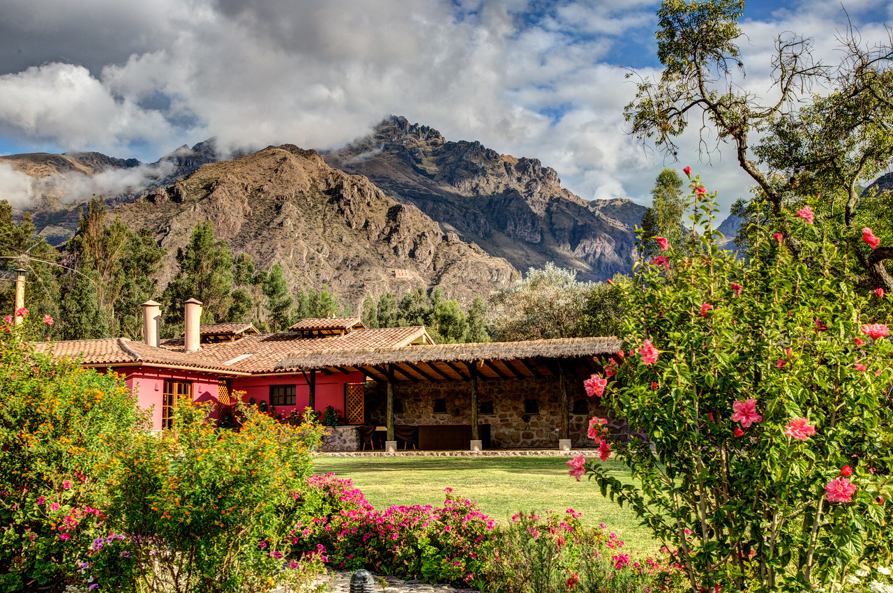 From Cusco we traveled by bus to Urubamba and stayed in the beautiful hotel Sol y Luna.