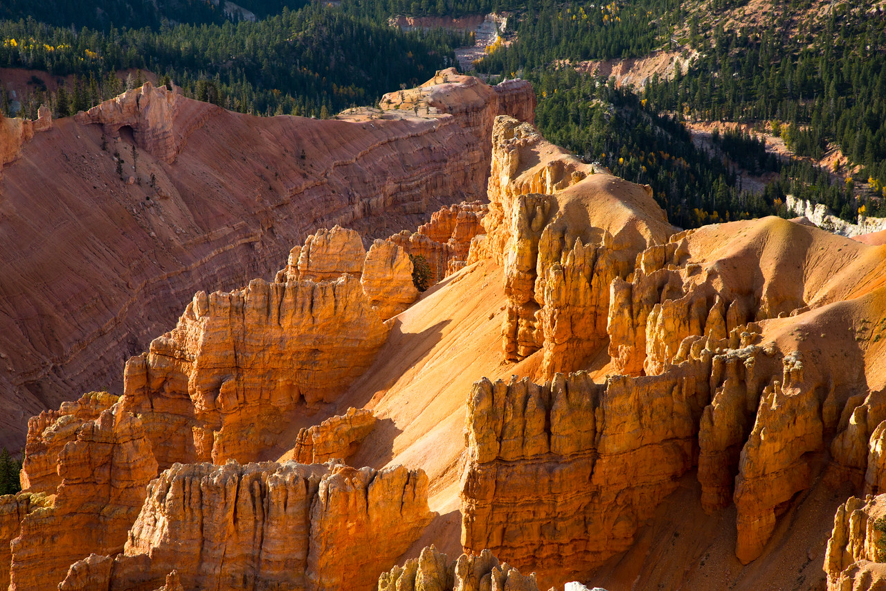 A closer look at the hoodoos with the setting sun lighting them up