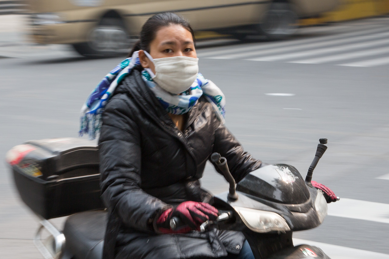 Wearing masks was common because of the pollution.