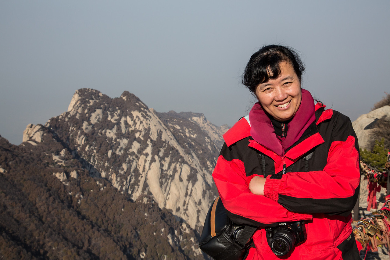 Meet Enyi Cai, the person who invited us to China, traveled with us, and made all the arrangements for us to be treated like royalty. Enyi worked at Human Kinetics for about 10 years before she established KinesWorld, the HK distributor in China.