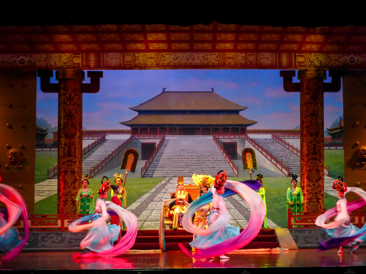 We ended our day with a dinner theatre in Xian watching these beautiful scenes along with traditional Chinese music.