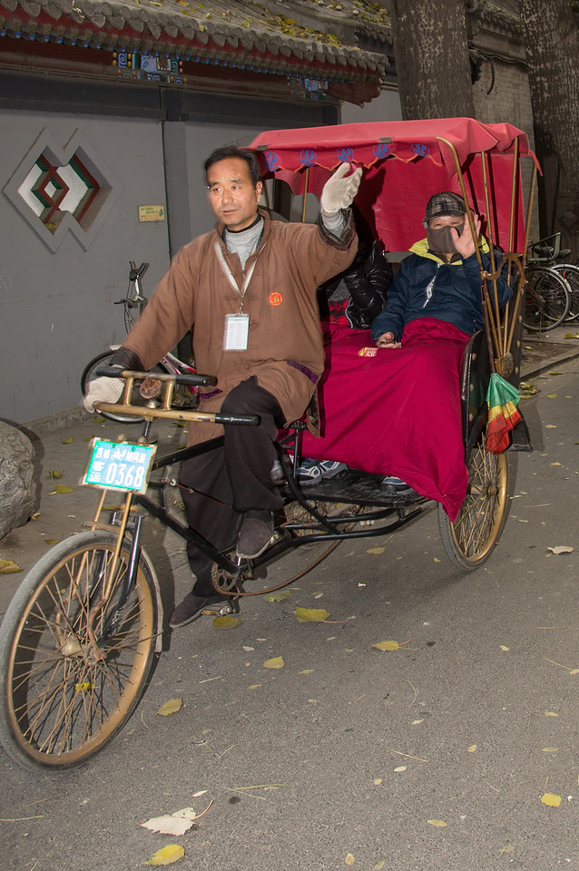We then strolled the streets trying to capture the heartbeat of the city away from major tourist sites. We saw many bicycle rickshaws as shown here.