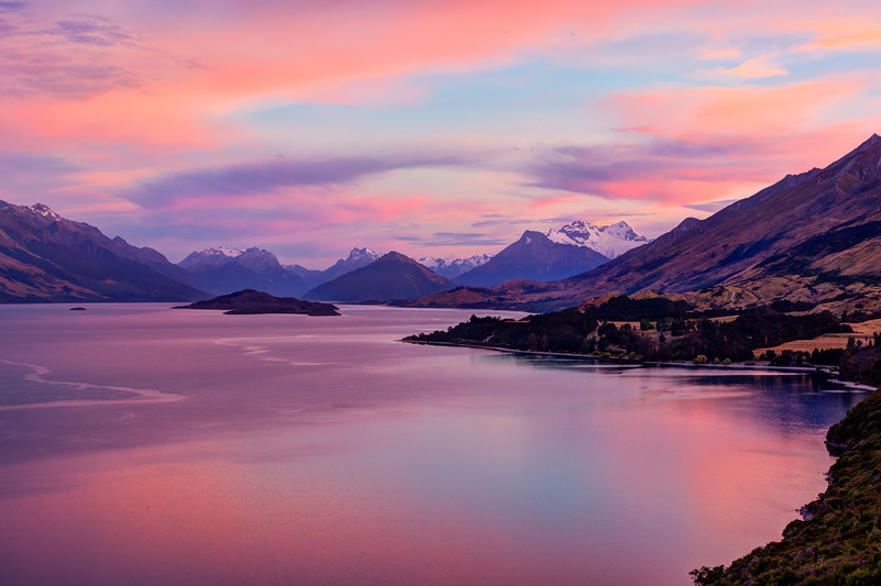 Sunrise over Lake Wakitipu on the road to Glenorchy.