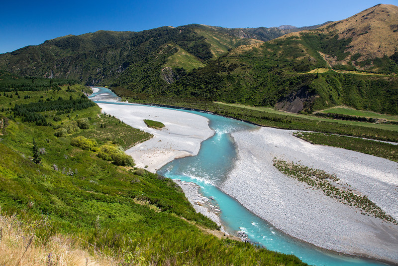 Driving from Kaikoura to the west coast of New Zealand. We saw many beautiful torquoise-colored rivers.