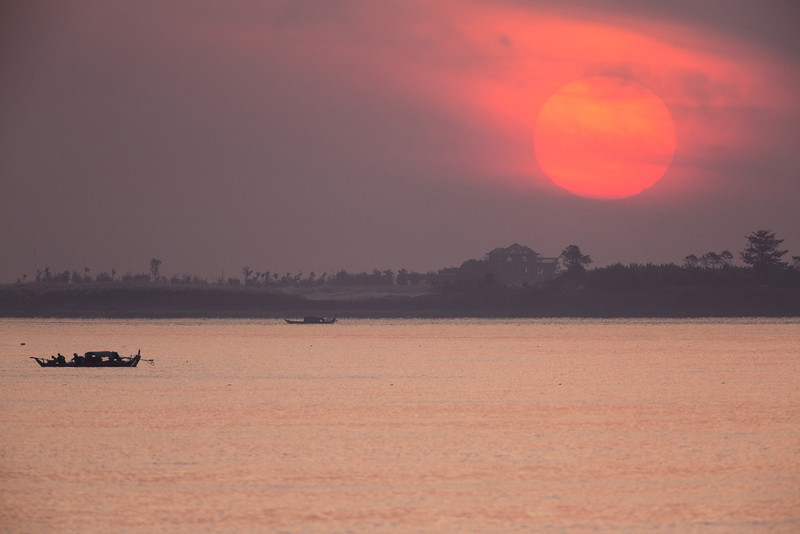 Sunrise as we began cruising the Mekong.